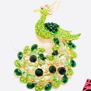 Betsey Johnson Peacock Necklace ➰🆕🌿🆕➰
